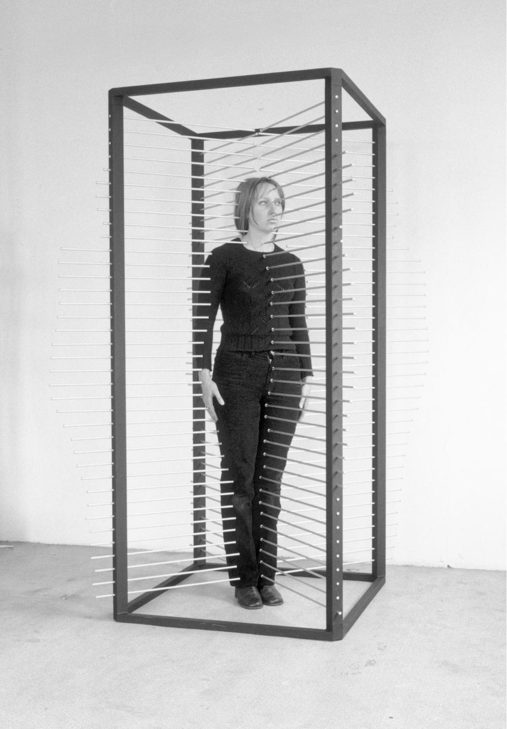 Rebecca Horn, Messkasten, 1970 Fotografie Staatsgalerie Stuttgart
