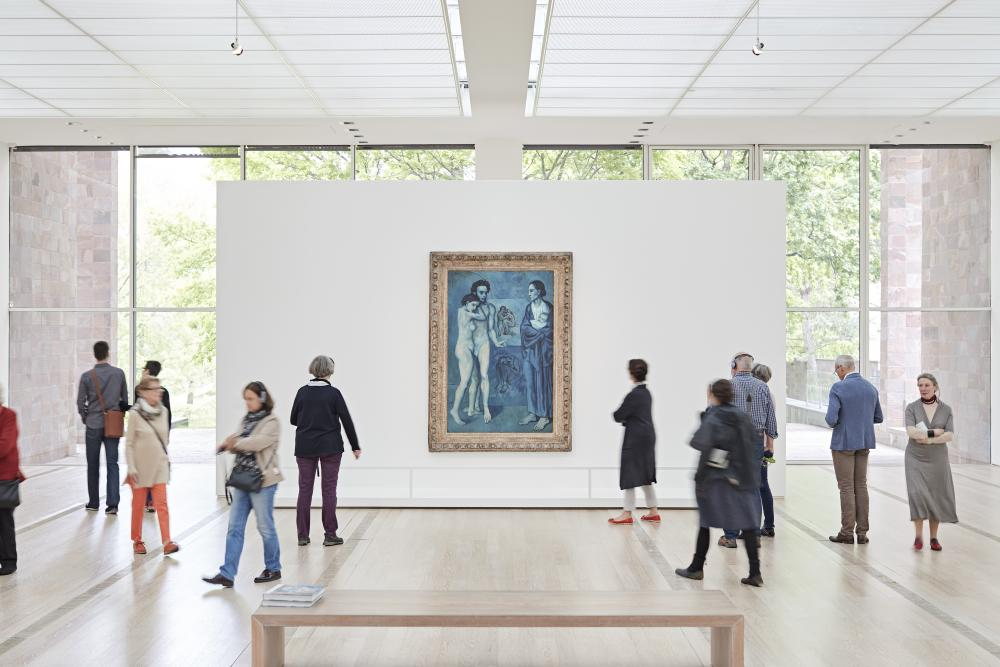 "Installationsansicht ""Der junge PICASSO – Blaue und Rosa Periode""; Kunstwerk: Pablo Picasso, La Vie, 1903, Oil on canvas, 197 x 127,3 cm, The Cleveland Museum of Art, Donation Hanna Fund, © Succession Picasso / ProLitteris, Zürich 2018"