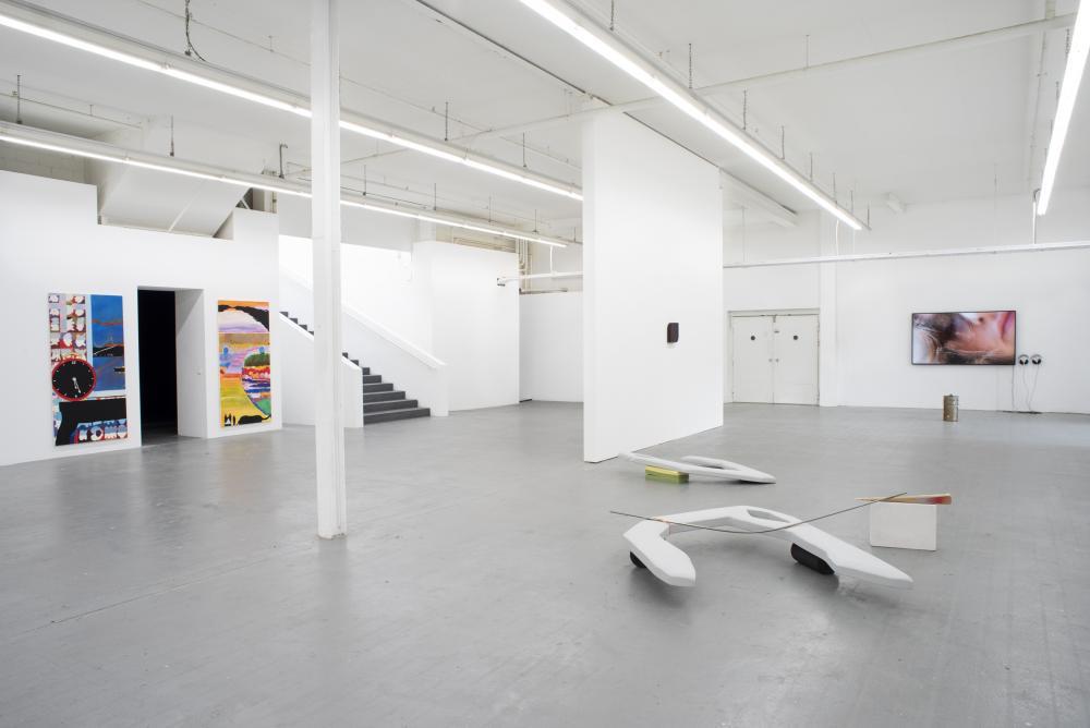 Installation view «World's Rainbow» Diplomausstellung Bachelor und Master Institut Kunst HGK FHNW in Basel, Kunsthaus Baselland, 2021.