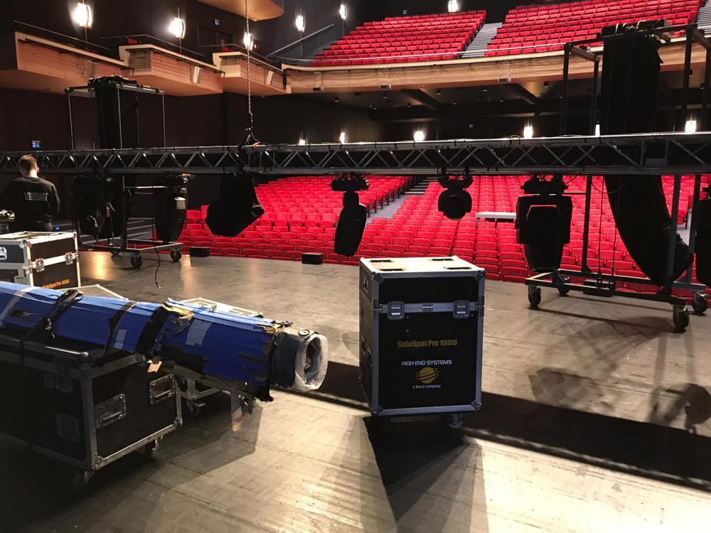 Das Musical Theater Basel wird fürs Drummeli hergerichtet.