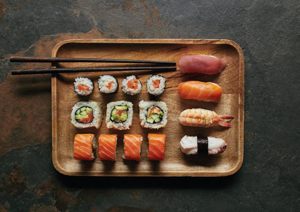 Sushi, Thai Curry oder Poke Bowl? Die frische Noohn-Küche kannst du als Take Away vorbestellen oder kommt direkt zu dir nach Hause per Home-Delivery!