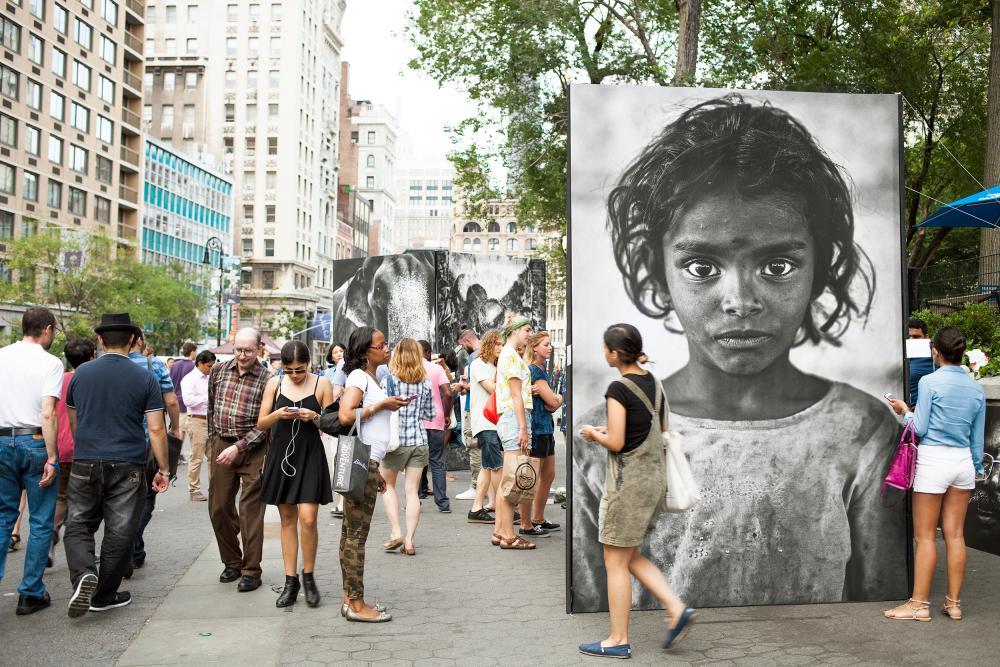 """Der Beginn der """"Vision Keiyo""""  Die erste Strassen-Show des Keiyo Gründers Raphael Rapior am Union Square Park in New York im Juli 2015."""