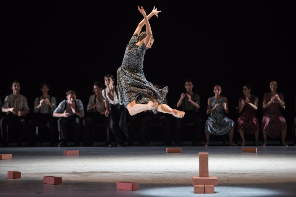 Pure Ausdruckskunst im Stück «Lore» von Richard Wherlock