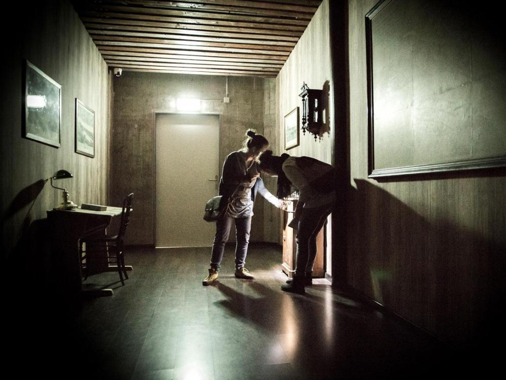 Room Escape Basel bringt dich und deine Freunde mit kniffligen, interaktiven Rätseln an den Rand der Verzweiflung.