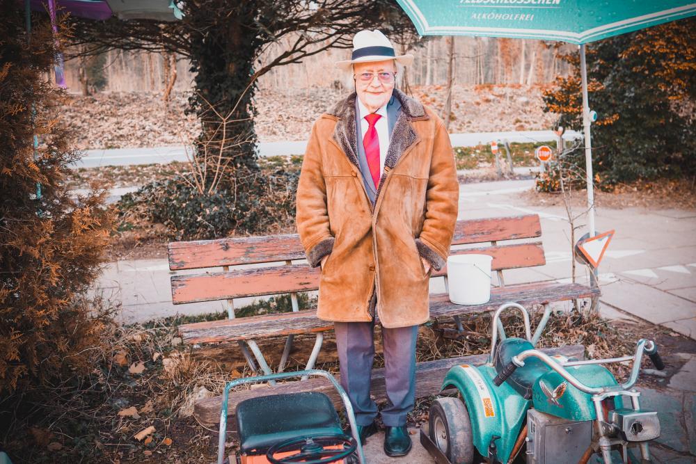 Anzug, Krawatte, Hut - Heinz P. Müller macht sich jeden Tag schick.