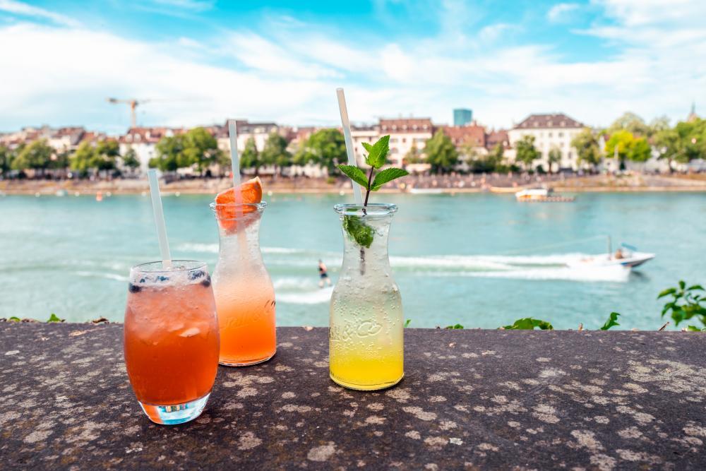 Hier gibt's Drinks, die dir Geschichten vom Fährimaa und deiner Stadt erzählen!