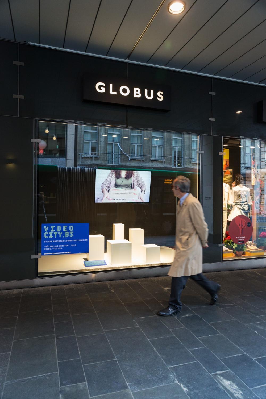 videocity.bs-Schaufenster im GLOBUS Basel