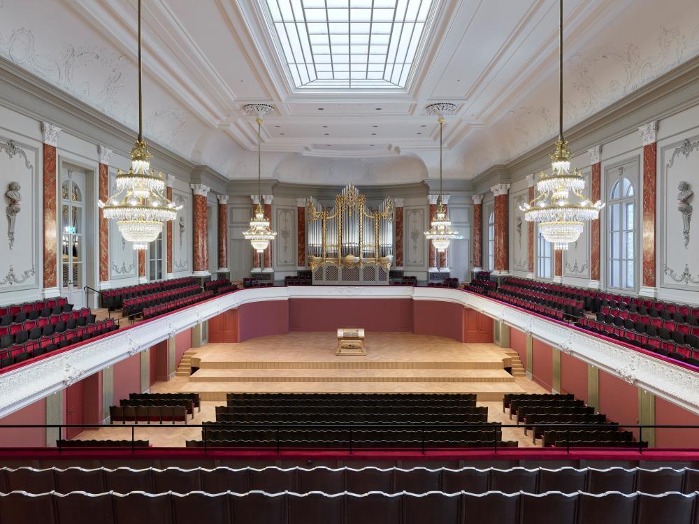 Wuchtig im Klang, einzigartig in ihrer Ausführung – die neue Metzler-Orgel im Musiksaal des Stadtcasinos Basel.