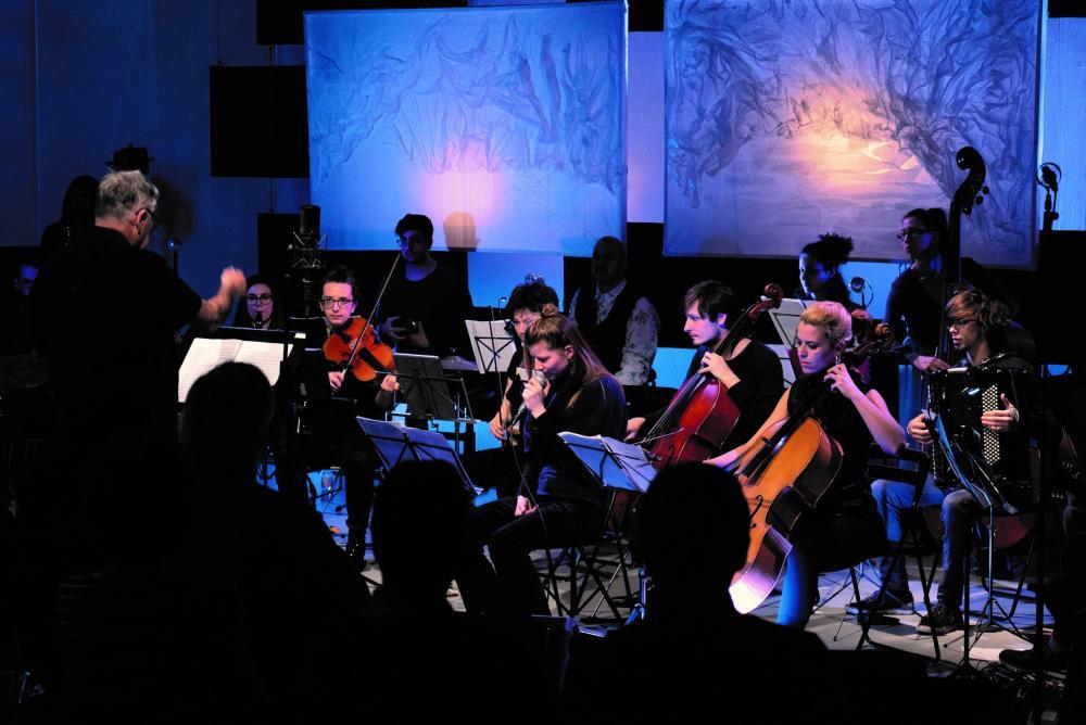 Von Audiodesign über Kammermusik, Musikpädagogik und Performance bis hin zu Zeitgenössischer Musik – am Institut Klassik der Hochschule für Musik FHNW finden die unterschiedlichsten Stilrichtungen, Interessen und Schwerpunkte zusammen.